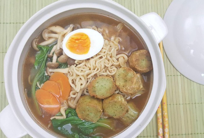 Resep Mie : Spicy Noodle Soup with Keecho